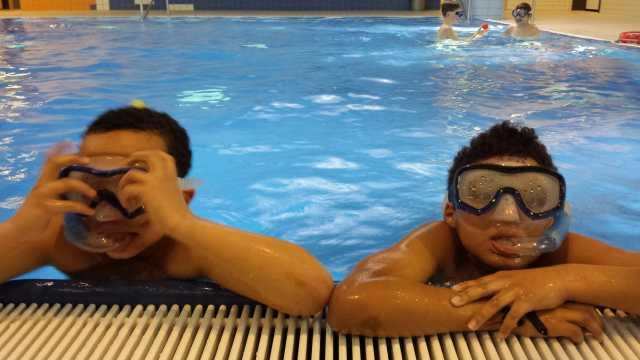 WBS, Schwimmen4